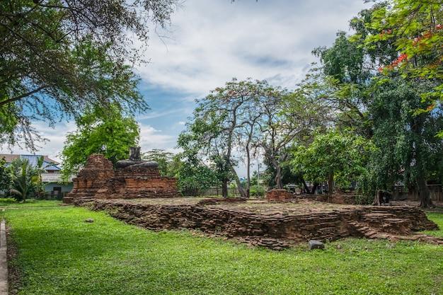 Chiang saen city temple.sao khian tempel von chiangsaen in chiangrai bei thailand.