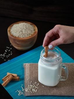 Chicha de arroz con zimt typisch venezolanisches getränk auch aus mais hergestellt