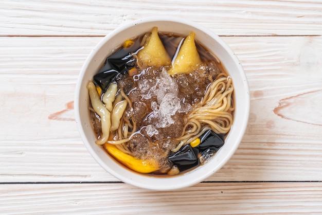 Chinesische dessertschale (bok kia) - hainan chinesisches dessert