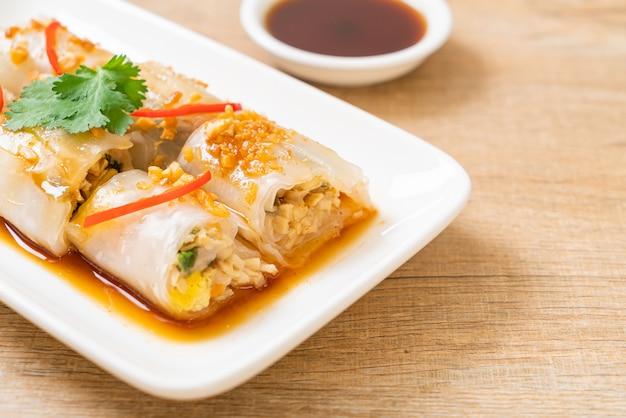 Chinesische gedämpfte reisnudelröllchen, asiatische essensart