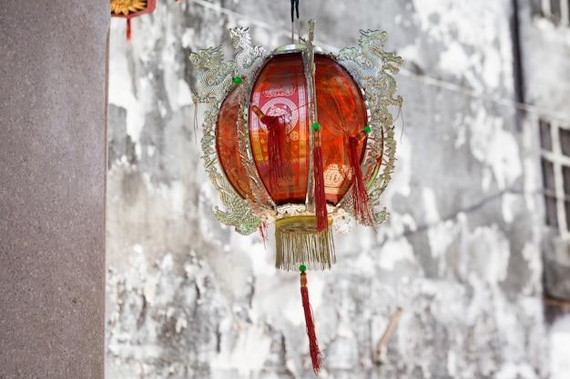 Chinesische laternen im tempel