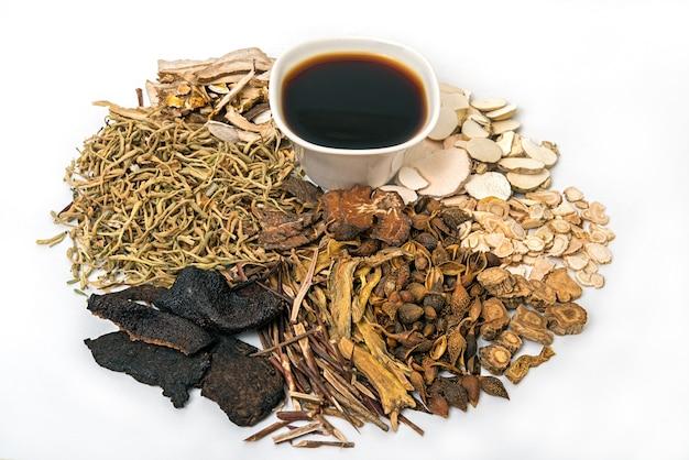 Chinesische traditionelle kräutermedizin und organische kräuter