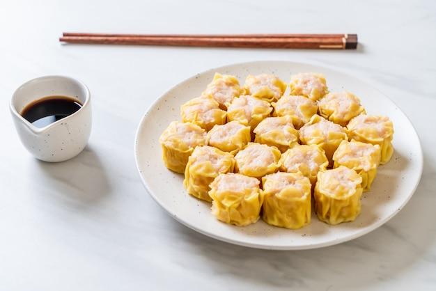 Chinesischer gedämpfter mehlkloß der garnele