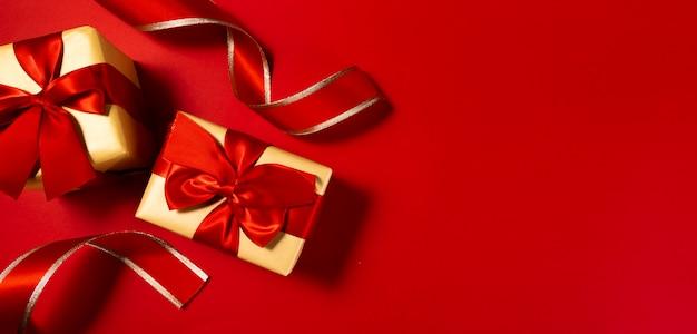 Chinesischer roter neujahrsgeschenkboxhintergrund