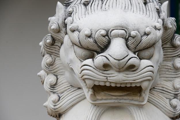 Chinesischer steinlöwestatuen-architekturwächter in chaina kultur