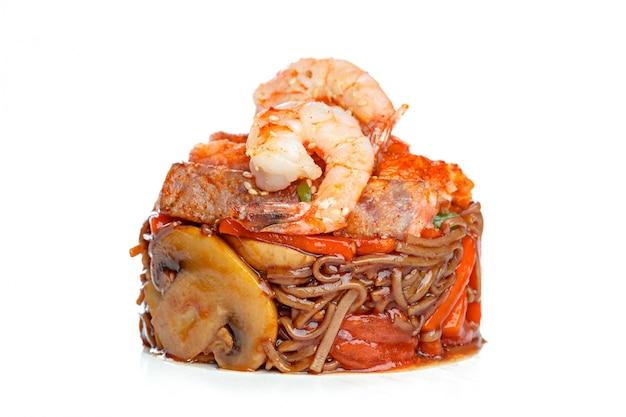 Chinesisches fastfood aus dem wok