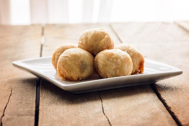 Chinesisches gebäck oder mondkuchen, nachtisch für chinesen
