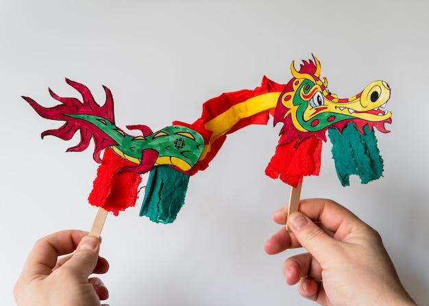 Chinesisches konzept des neuen jahres mit drachen