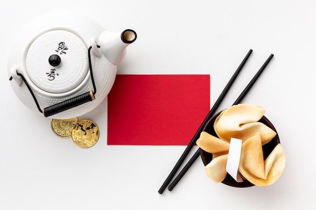 Chinesisches neues jahr des teekannen- und kartenmodells