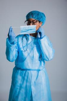 Chirurg bereit zur arbeit