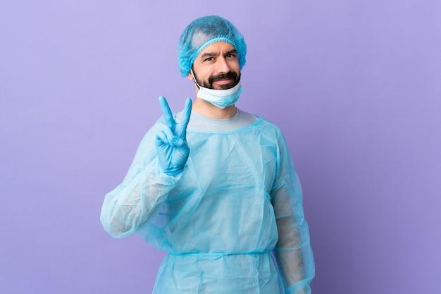 Chirurg mann über isoliertem hintergrund
