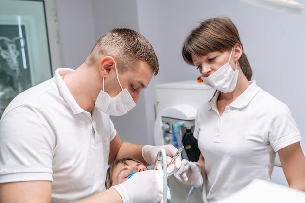 Chirurgie stomatologie.