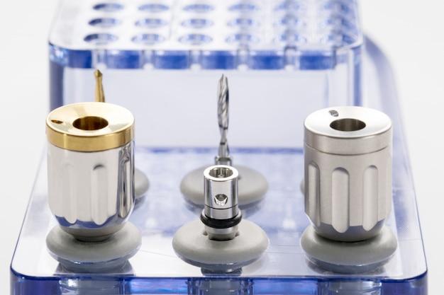 Chirurgische kits für nahaufnahmen / implantate / minischrauben / schraubendreher / bohrer