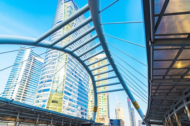Chong nonsi sky spaziergang am bkk sky bahnhof auf der silom line. chong nonsi station ist ein bts skytrain