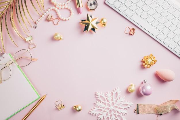 Christma dekorationen und geschenkboxen