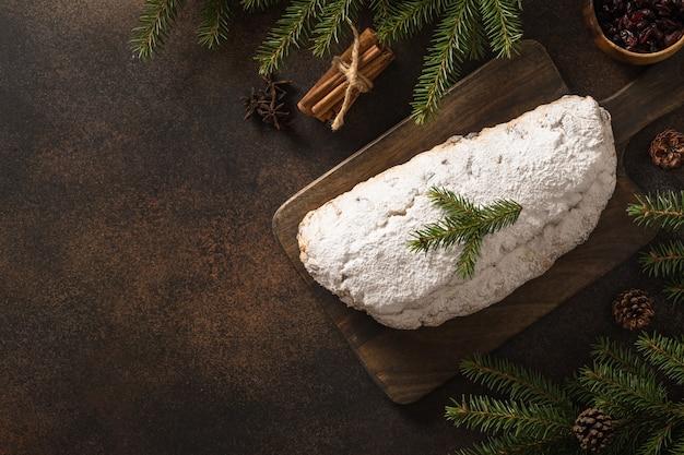 Christstollen traditionelles deutsches brot weihnachtsgebäck dessert