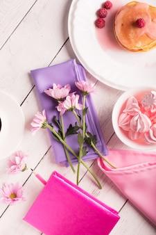 Chrysanthemen und pfannkuchen