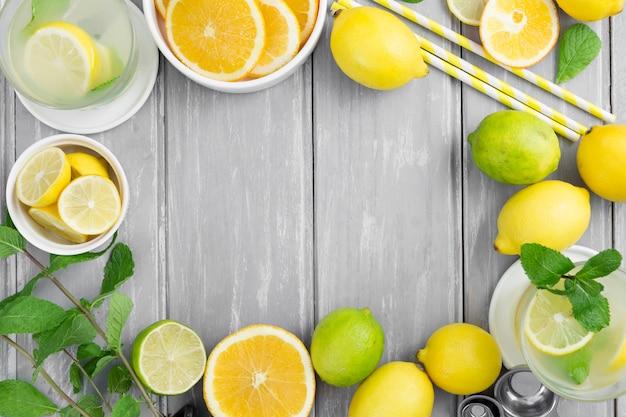 Citrus rahmen mit strohhalmen