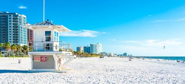 Clearwater strand mit schönem weißem sand in florida usa