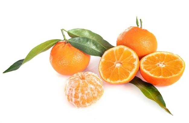 Clementine, isoliert auf weiss