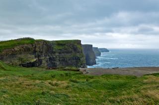 Cliffs of moher meer