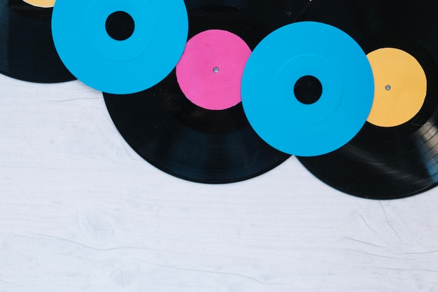 Close-up-cds auf vinyl-schallplatten