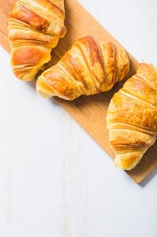 Close-up croissants an bord