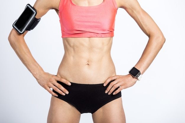 Close-up der schönen sportlichen weiblichen körper