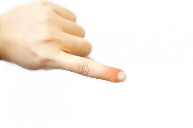 Close up junge schöne frau hat schmerzen in einem linken zeigefinger.