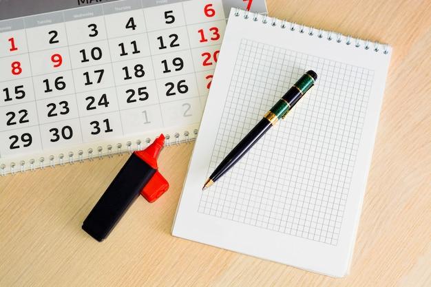 Close-up kalender. konzeptplanung, zählung der tage, zeitmanagement
