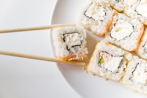 Close up schuss von sushi-rollen