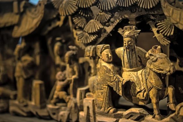 Close-up von dekorativen skulpturen