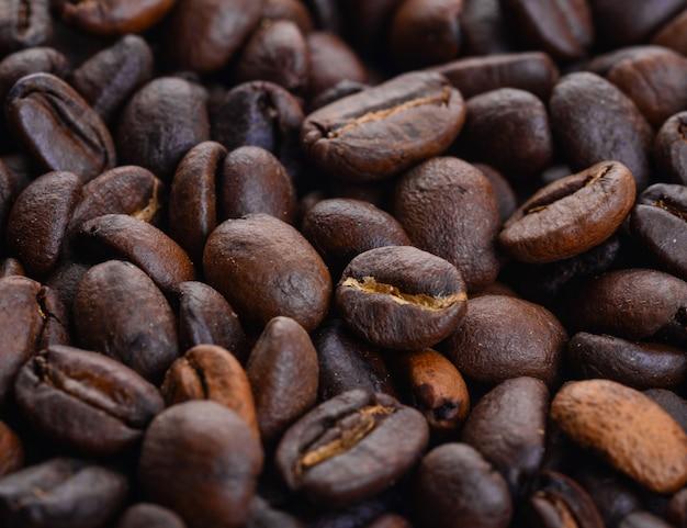 Close-up von gerösteten kaffeebohnen