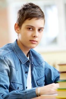 Close-up von schweren teenager