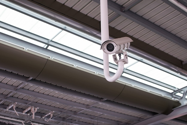 Closed circuit kameras (cctv) auf den straßen der großstadt
