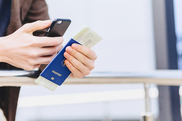 Closup telefon pass und tickets