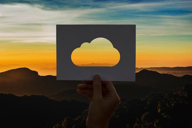 Cloud-computing-netzwerkverbindung perforiertes papier