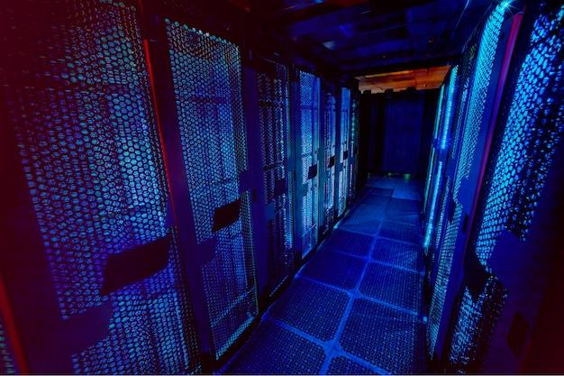 Cloud-storage-banner-hintergrund, von der nasa . aus dem öffentlichen bereich neu gemischt