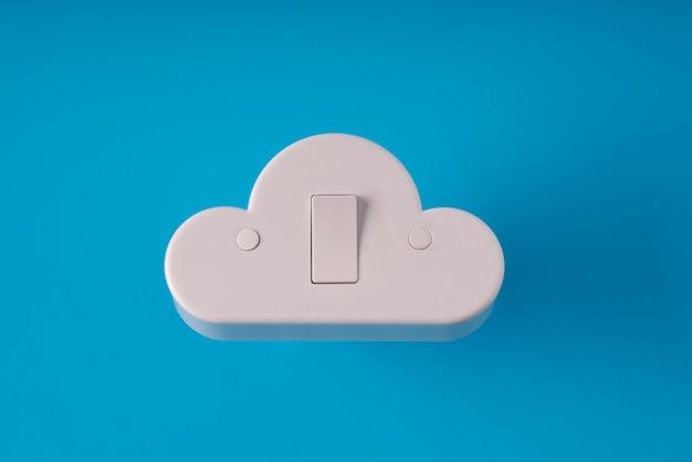 Cloud-technologie auf farbenfroh und kreativ für online- und offline-konzept
