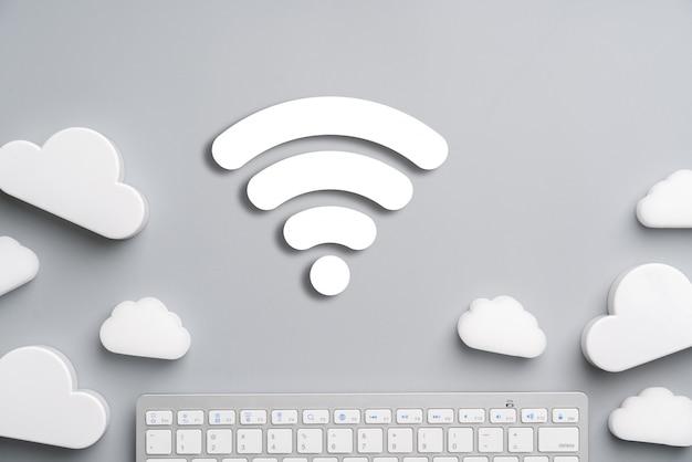 Cloud-technologie-symbol für globales geschäftskonzept auf einem schreibtisch von oben