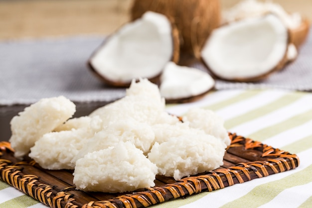 Cocada (kokosnuss süß), ein typisch brasilianisches dessert
