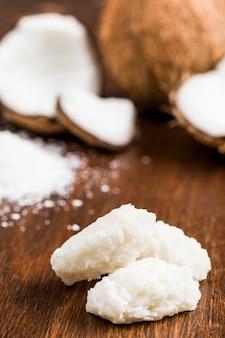 Cocada (kokosnuss süß) eine typisch brasilianische süßigkeit.