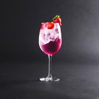Cocktail mit früchten
