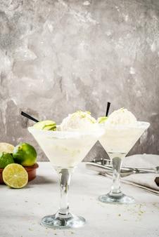Cocktail schwimmende margarita