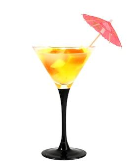 Cocktail und regenschirm