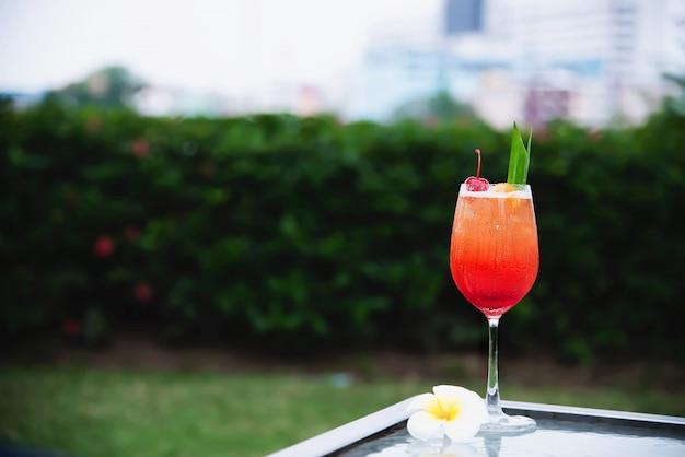 Cocktailrezeptname mai tai oder mai thailändischer weltweiter bevorzugungscocktail