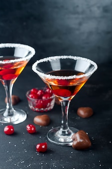 Cocktails mit kirschen