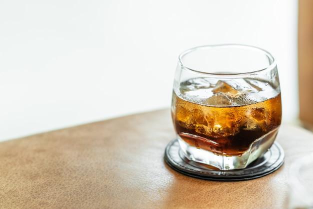 Cola mit eis