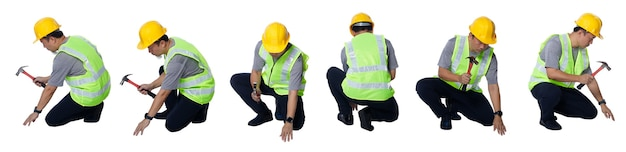 Collage in voller länge figur der 50er 60er jahre asiatischer älterer mann ingenieur baumeister tragen sicherheitsweste schutzhelm werkzeuge. ältere männliche sitzen und schlagen nagel mit hammer auf weißem hintergrund isoliert, 360 drehung um