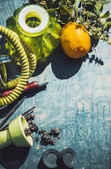 Collage mit wasserpfeifentabak rauchen unterschiedlicher geschmack.